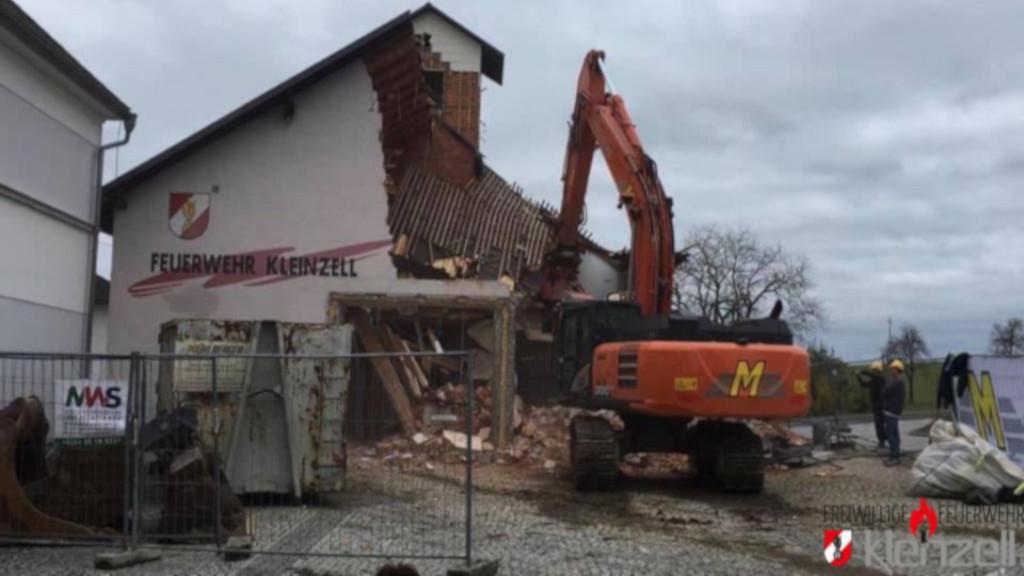 Abbruch vom alten Feuerwehrhaus